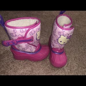 Girls snow boots size 7-8